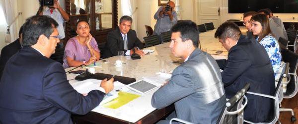 Gil Cutrim e diretores da Famem ouvem de Dino as ações do governo nos municípios