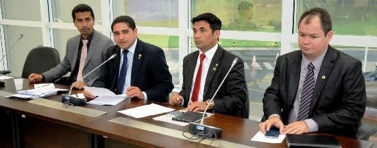 Ao lado dos colegas marco Aur´=elio, Wellington do Curso e Rafael Leitoa, Inácio presidiu audiência