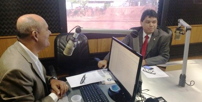 Márcio Jerry com o jornalista da Mirante Roberto Fernandes