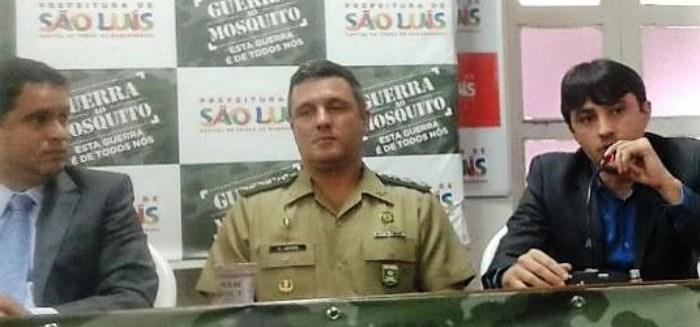 André Campos, com Edivaldo e o representante do Exército