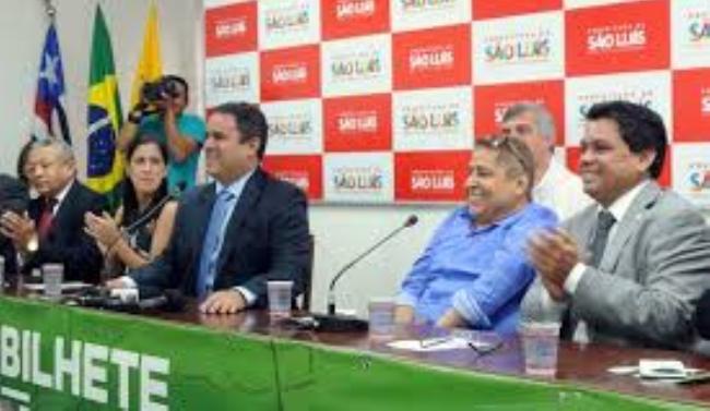 O prefeito Edivaldo, com Canindé e Márcio Jerry, comemora a implantação do serviço