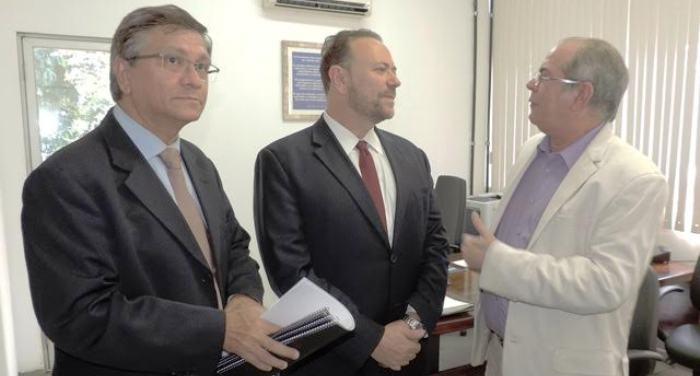 Hildo Rocha conversa com Edinho Silva e Jonnys Braga