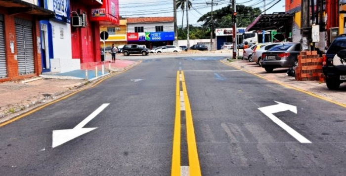 Rua do Aririzal recebeu sinalização horizontal para orientar o motorista