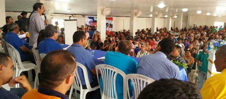 Verde discursa para os militantes dos três partidos em Brejo