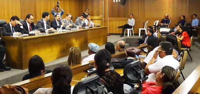 Ao lado dos colegas deputados, Verde fala aos conselheiros