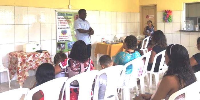 Batista Matos ministra palestra para mulheres em tratamento contra as drogas