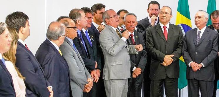 Hildo fala ao presidente Michel Temer sobre a importância dos municípios
