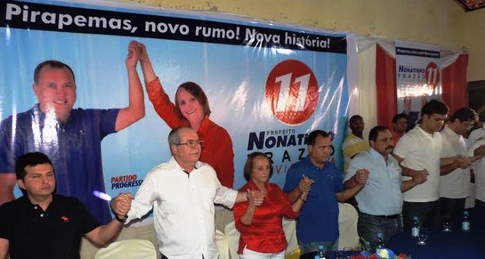 Em Pirapemas, o deputado também esteve com aliados