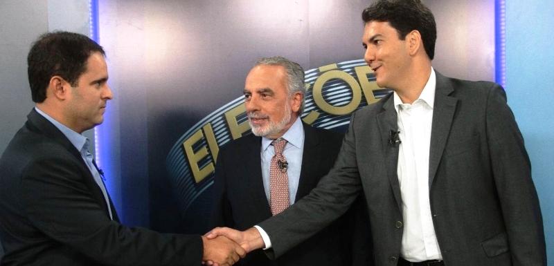"""Edivaldo """"olhando nos olhos"""" de Eduardo: a diferença é abissal entre os dois candidatos"""