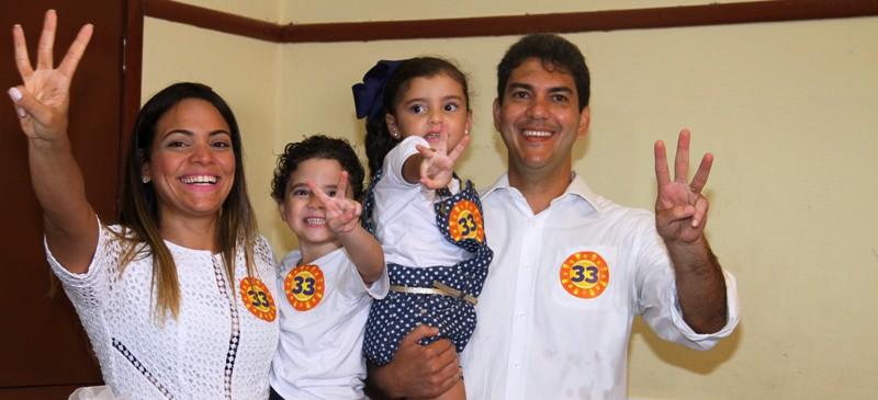 Eduardo com a família: mais de 240 mil votos