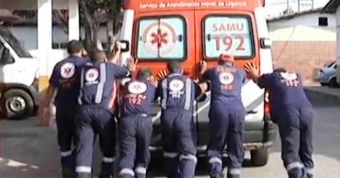 Caos na Saúde; prefeito diz que tem 17 ambulâncias; funcionários contestam