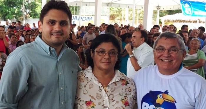 Juselino com Vianey e Robert Bringel em Santa Inês: quase 80% dos votos