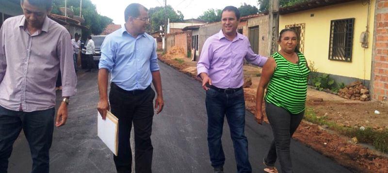 Antonio Araújo é o responsável por dar a imagem d ação com obras à gestão de Holandinha: mais de 1,8 mil ruas asfaltadas e várias drenagens