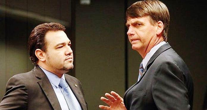 marcos Feliciano com Jair Bolsonaro: ameaças reais ao Brasil livre