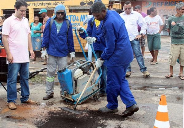 AQs obras de tapa-buracos e recapemaneto asfáltico marcaram a gestão de Edivaldo na mesma São Luís