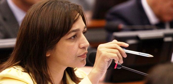 Eliziane Gama quer favorecer o Sarah com indenizações por danos morais