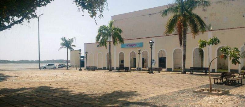 o local previsto para realização do evento permanece assim, até hoje, dois dias antes da abertura
