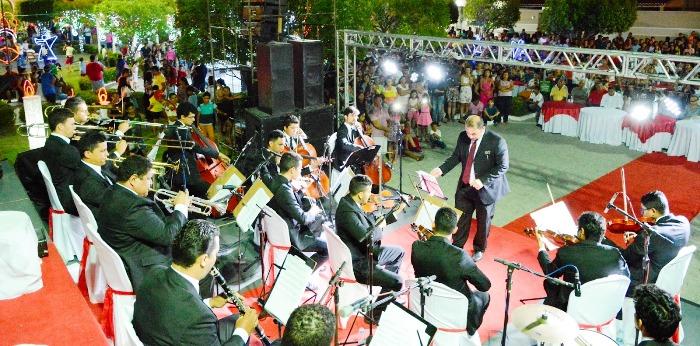Orquesta Sinfônica de Tererina foi o toque de glamour e classe da festa de Carmem Neto