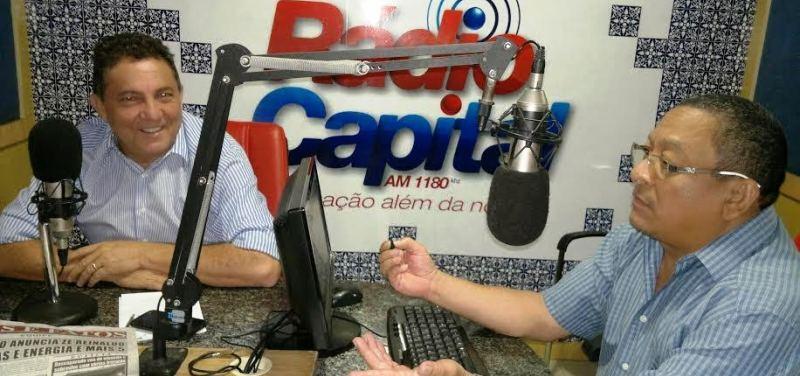 Tema fala da realidade dos municípios em entrevista à rádio capital