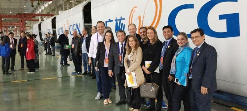 O parlamentar coma  delegação pronta para mais uma visita