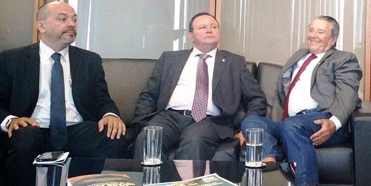 Representante do Irã com Carlos Brandão e José Reinaldo