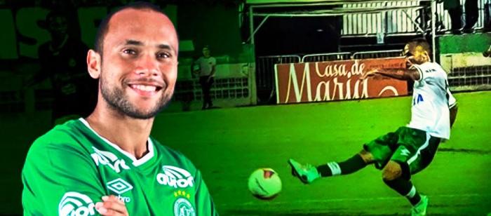 População de São Luís espera poder prestar últimas homenagens ao jogador Ananias