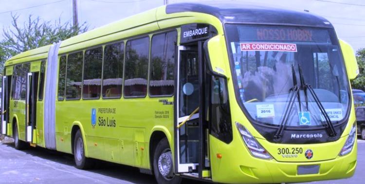 Um dos ônibus articulados do consórcio: já em circulação