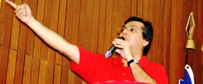 Resultado de imagem para FLÁVIO DINO DITADOR